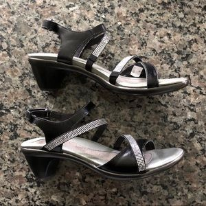 NWT Naot black leather sandals